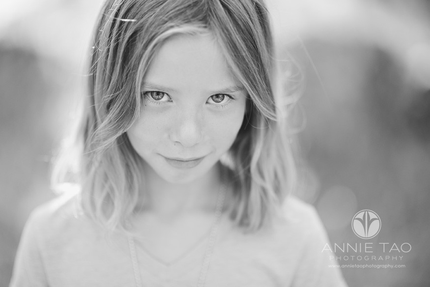 East-Bay-lifestyle-children-photography-grade-school-girl-looking-up-BxW