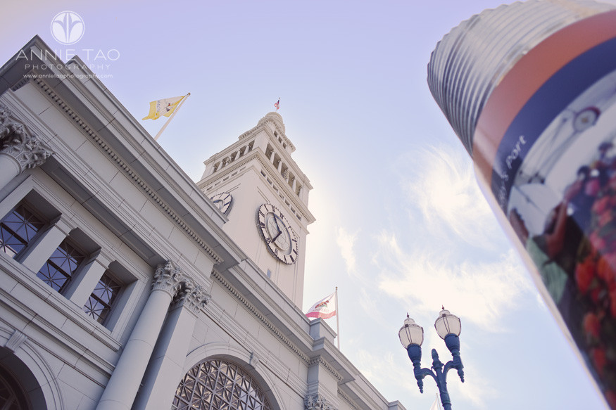 San-Francisco-lifestyle-photography-ferry-building-flag-and-sign