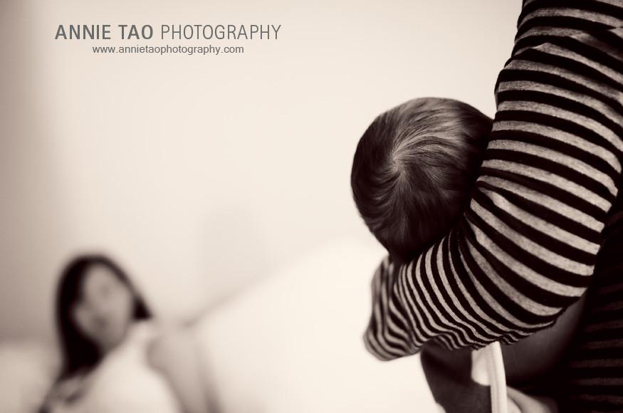 San-Francisco-Bay-Area-Newborn-Photography-grandma-holding-baby-hair-swirl
