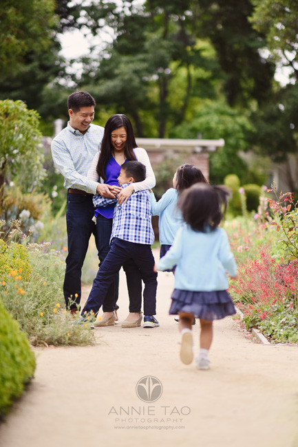 Bay-Area-lifestyle-family-photography-kids-running-to-hug-mom-in-garden