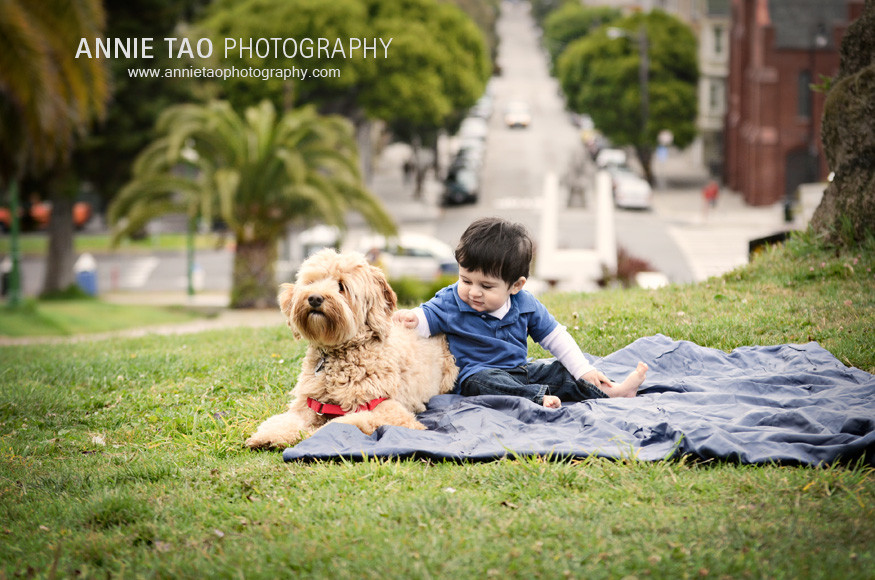San-Francisco-Lifestyle-Family-Photography-baby-touching-with-dog
