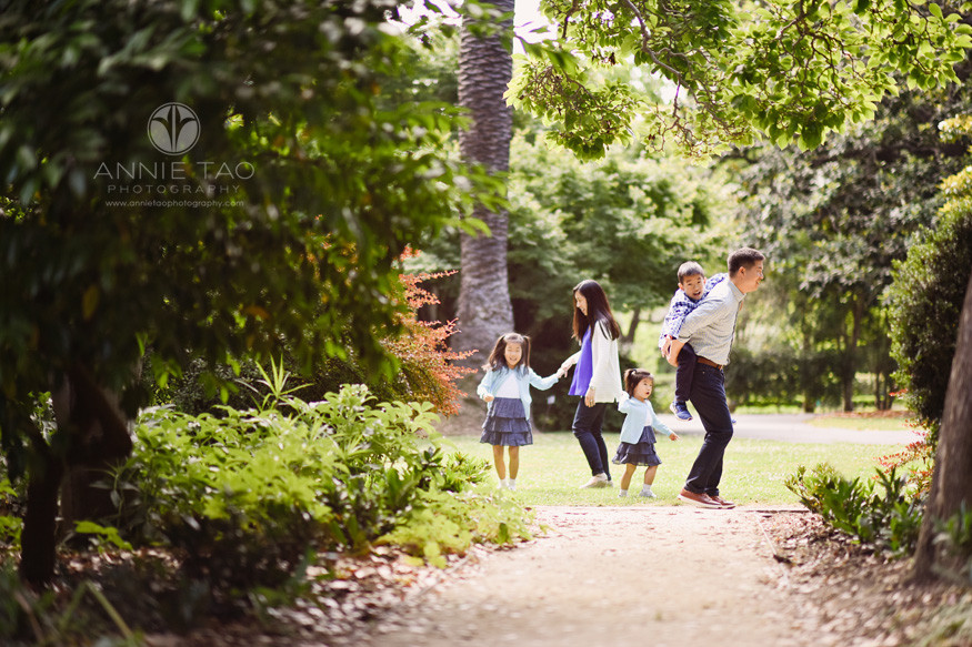 Bay-Area-lifestyle-family-photography-family-of-five-playing-together