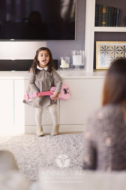 san-francisco-lifestyle-children-photography-preschooler-girl-playing-ukelele-in-livingroom