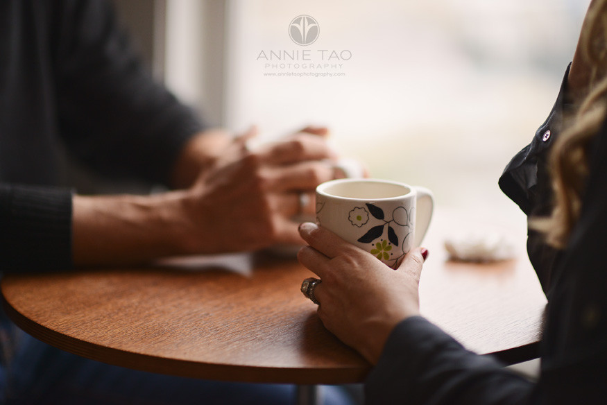 San-Francisco-couple-lifestyle-photography-close-up-of-man-and-woman-holding-coffee-mugs