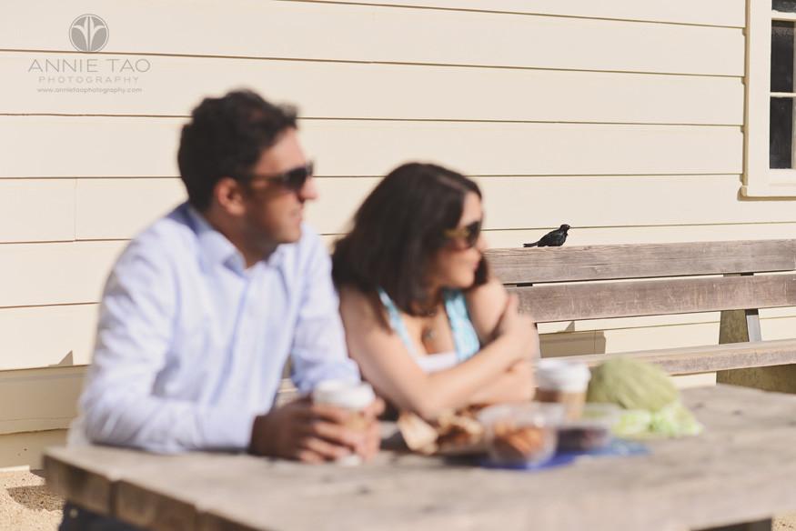 San-Francisco-lifestyle-couple-photography-black-bird-watching-couple-eating