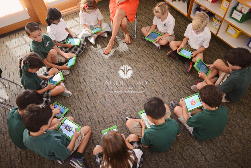 San-Francisco-Bay-Area-school-photography-class-sitting-in-circle-with-ipads