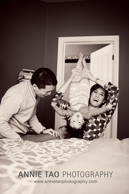 San-Francisco-Bay-Area-Event-Photography-parents-flipping-baby-upside-down
