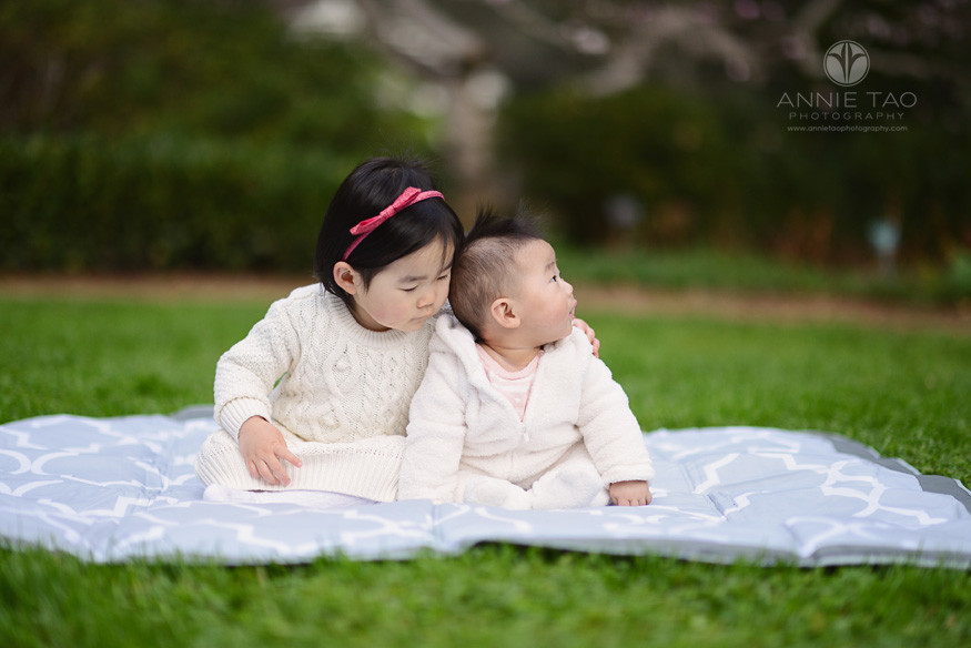 Bay-Area-Palo-Alto-lifestyle-children-photography-toddler-girl-with-arm-around-baby-sister