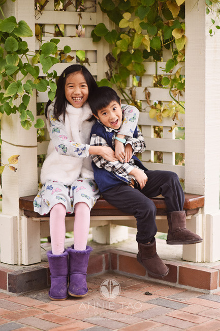 Bay-Area-lifestyle-children-photography-siblings-being-happy-together