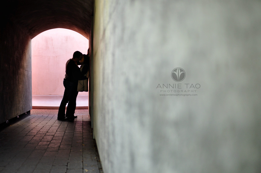 San-Francisco-lifestyle-couple-photography-kissing-in-a-tunnel