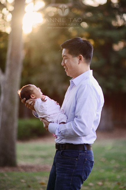 East-Bay-lifestyle-newborn-photography-father-holding-baby-at-sunset