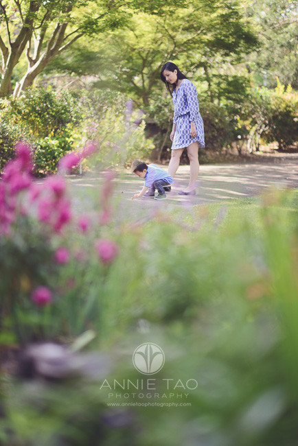 South-Bay-lifestyle-family-photography-mother-watching-over-son-as-he-plays-with-nature