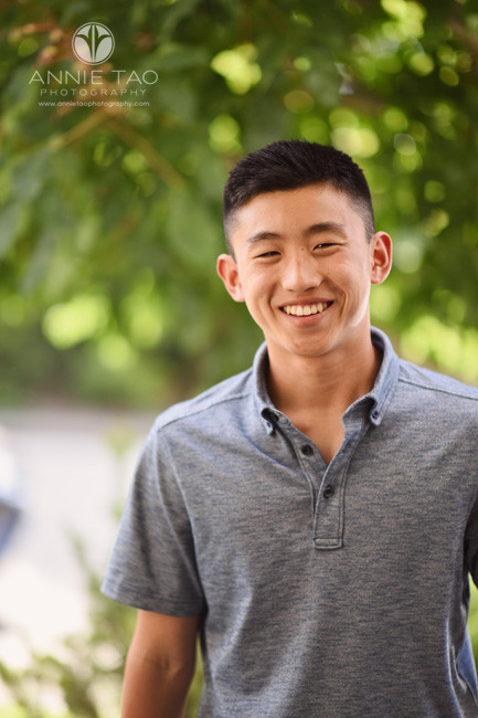 San-Francisco-Bay-Area-lifestyle-teen-photography-teenager-boy-smiling-at-aunt