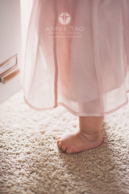 South-Bay-lifestyle-photography-baby-toes-curled-in-carpet