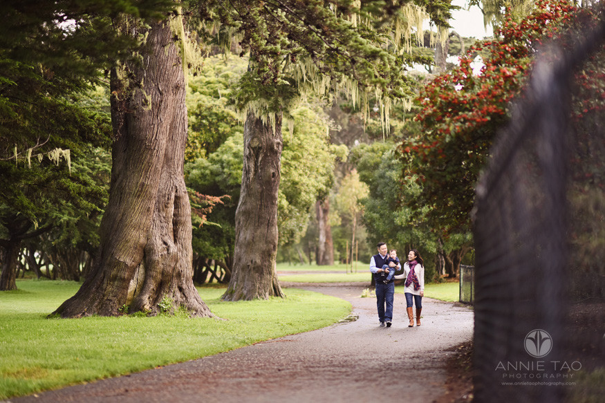 San-Francisco-lifestyle-family-photography-walking-on-path-in-park-with-giant-trees
