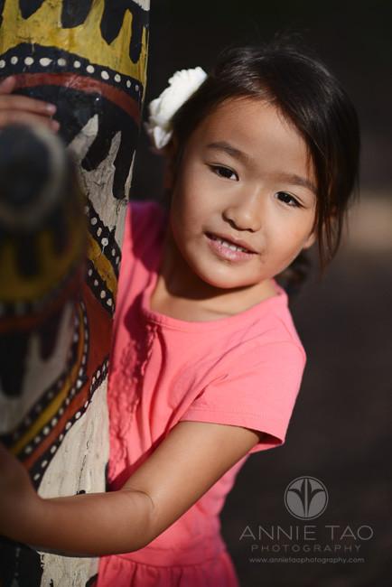 San-Francisco-Bay-Area-Peninsula-lifestyle-children-photography-girl-hugging-totem-pole