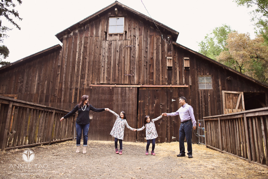 Bay-Area-lifestyle-family-photography-family-doing-the-wave-at-barn