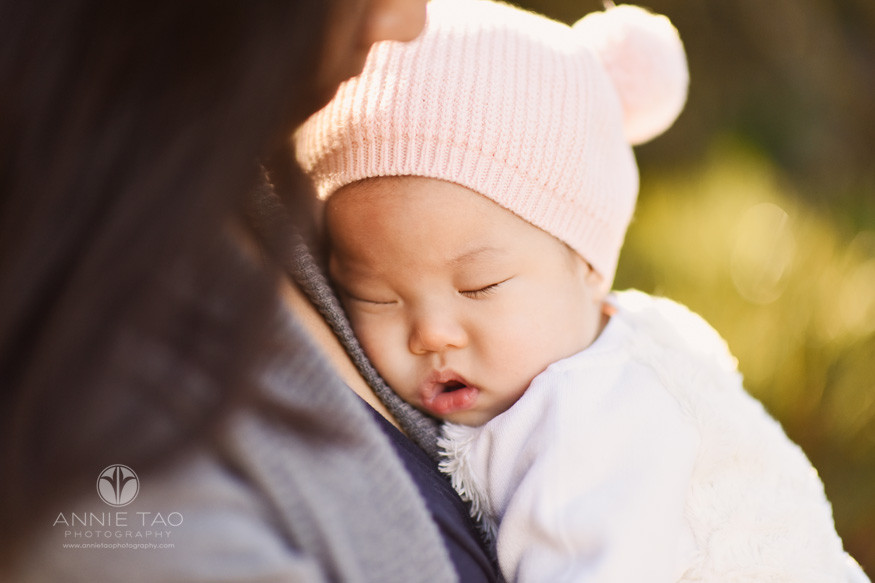 east-bay-lifestyle-baby-photography-baby-girl-sleeping-in-moms-arms