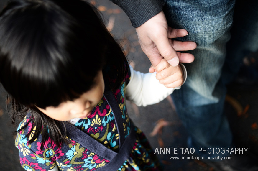 San-Francisco-lifestyle-family-photography-toddler-holding-dads-finger