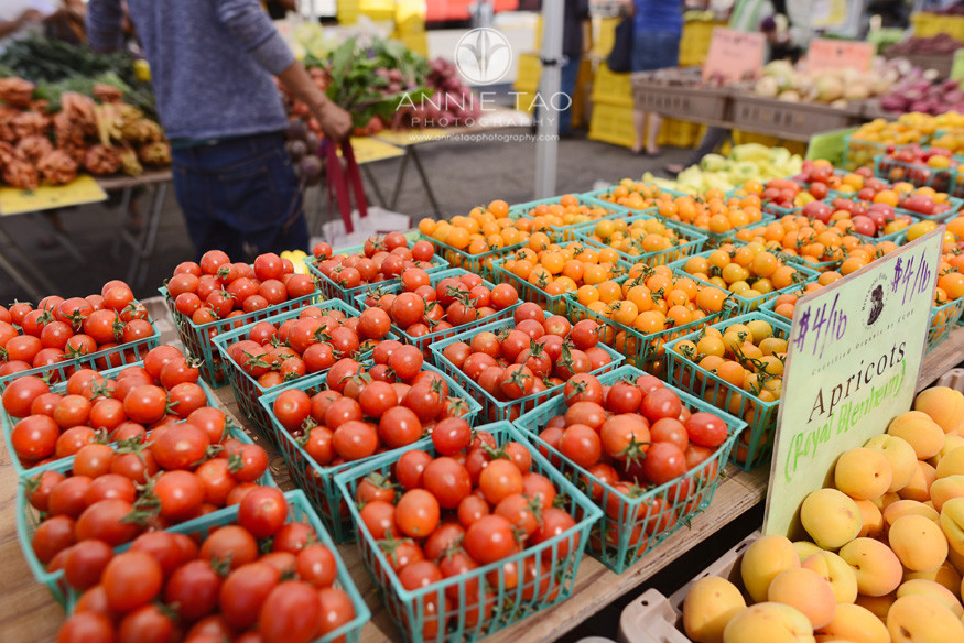 East-Bay-Commercial-Photography-Berkeley-farmers-market-table-of-apricots-and-cherry-tomatoes