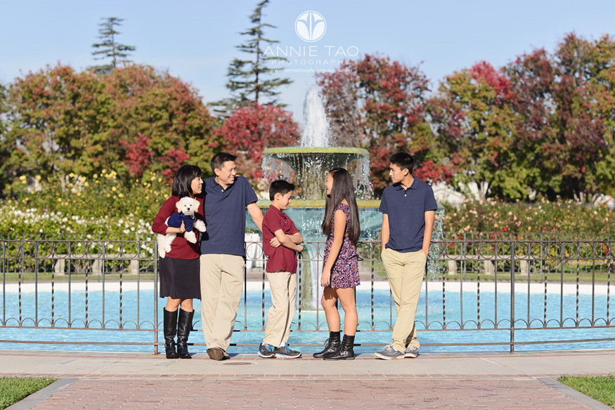 South-Bay-lifestyle-family-photography-family-of-five-with-puppy-hanging-out-by-fountain