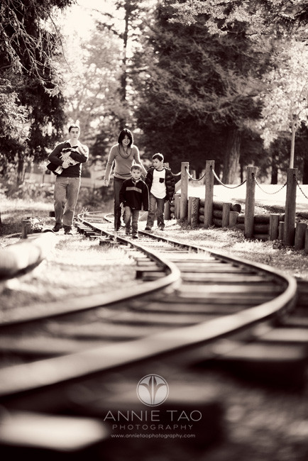 South-Bay-lifestyle-family-photography-family-walking-on-the-railroad-tracks