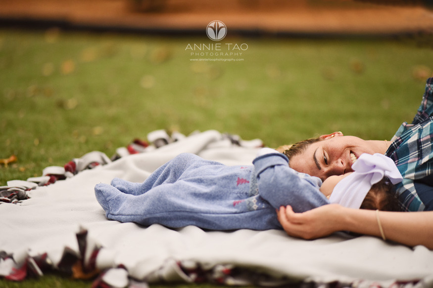 San-Francisco-Bay-Area-commercial-photography-lifemoves-family-connection-in-grass-between-mom-and-baby