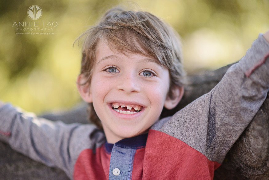 Bay-Area-lifestyle-children-photography-boy-happy-by-tree