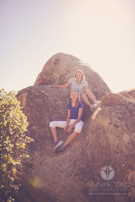 East-Bay-lifestyle-family-photography-mom-and-daughter-on-side-of-boulder
