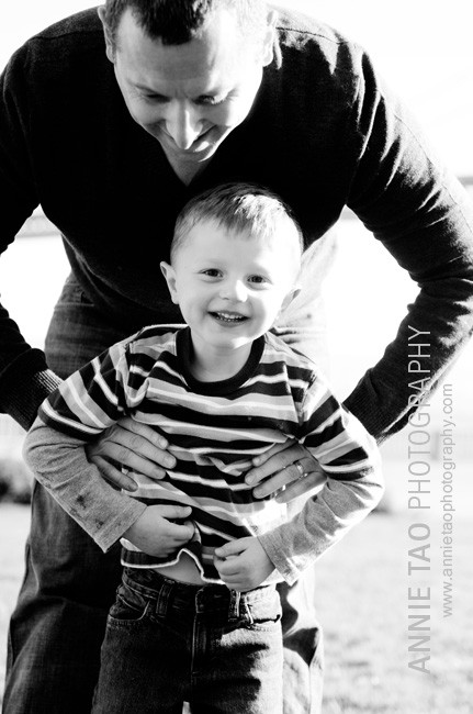 San-Francisco-Bay-Area-family-photography-dad-throwing-son-in-air-2