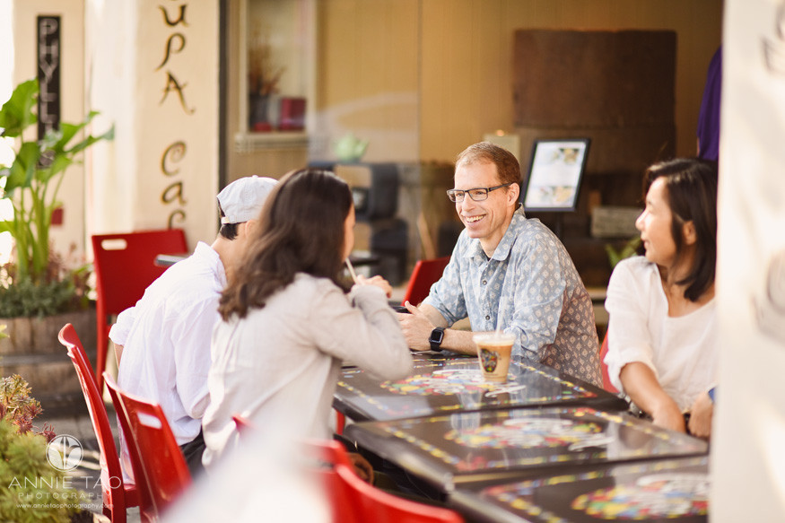 San-Francisco-Bay-Area-lifestyle-family-photography-sipping-drinks-at-cafe-in-downtown-Palo-Alto