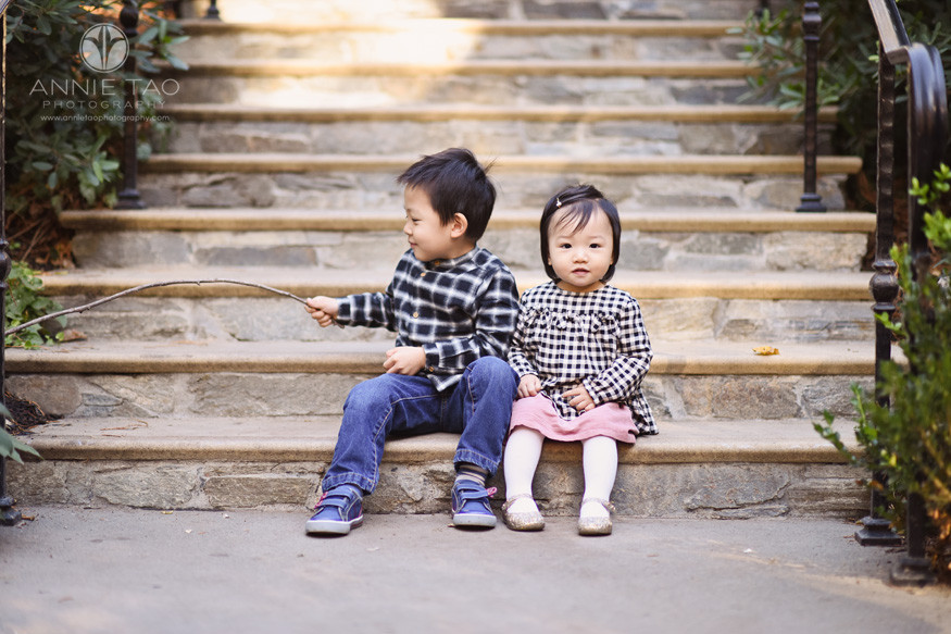East-Bay-lifestyle-children-photography-baby-and-preschooler-brother-sitting-together-on-steps