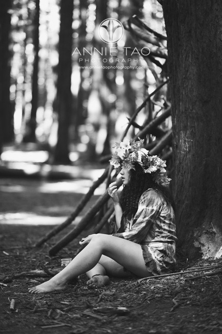 East-Bay-styled-photography-woodland-girl-eating-berries-sideview-BxW