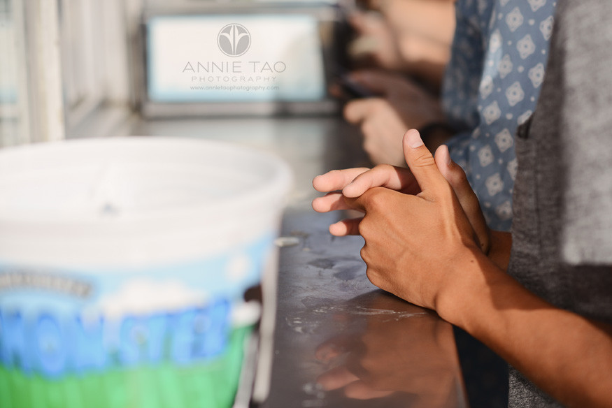 San-Francisco-lifestyle-teen-photography-hands-waiting-for-ice-cream