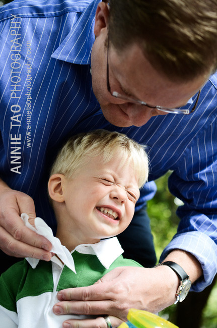 East-Bay-lifestyle-family-photography-dad-wiping-sons-face