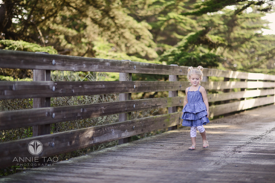 Bay-Area-Half-Moon-Bay-lifestyle-children-photography-toddler-girl-walking-alone-on-bridge