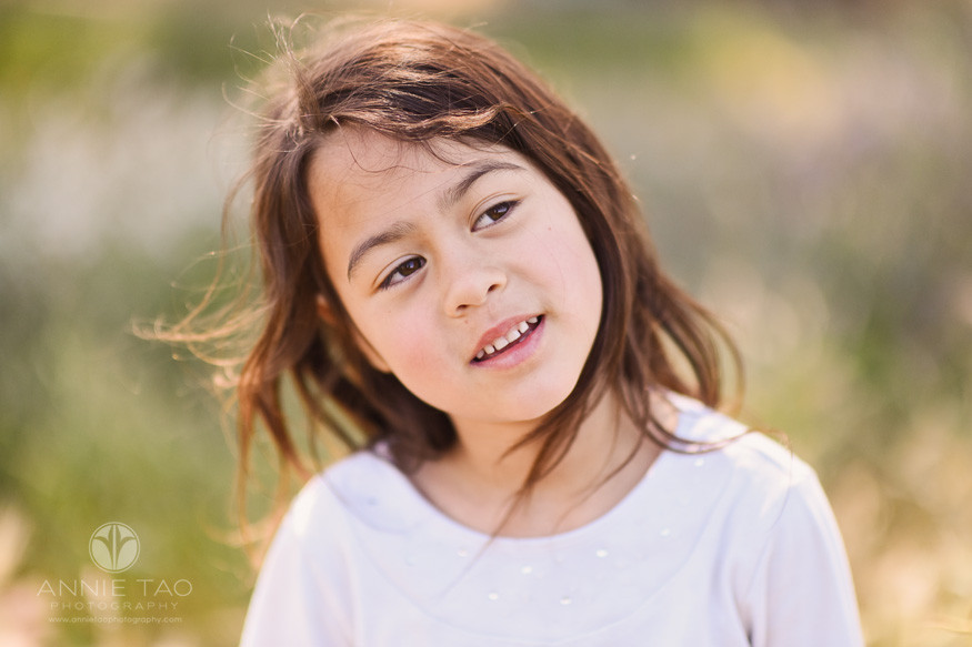 East-Bay-lifestyle-children-photography-girl-looking-up