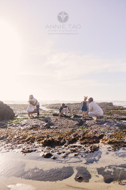 Bay-Area-Half-Moon-Bay-lifestyle-family-photography-family-at-tidepool