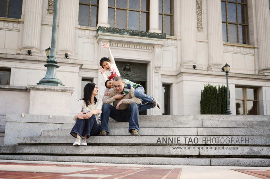 East-Bay-lifestyle-family-photography-family-silliness-on-steps
