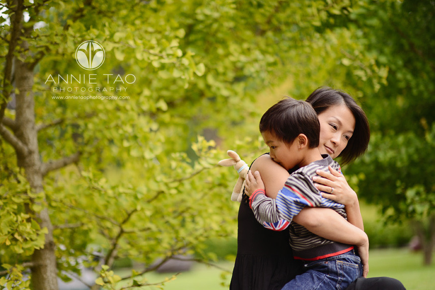 San-Francisco-lifestyle-family-photography-mom-hugging-her-son-tightly