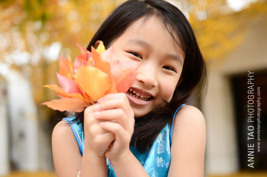 San-Francisco-Bay-Area-child-model-photography-holding-leaves