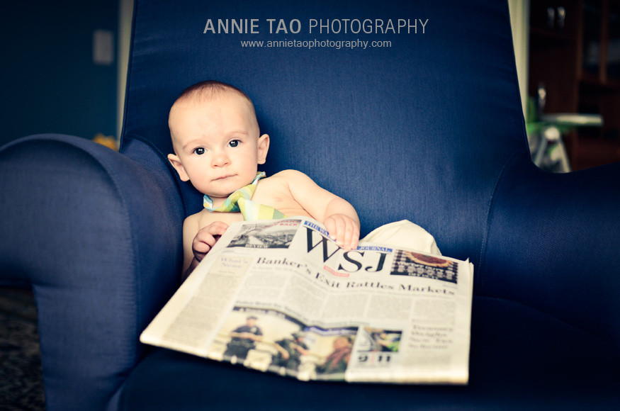 San-Francisco-family-lifestyle-photography-naked-baby-in-tie-reading-the-Wall-Street-Journal