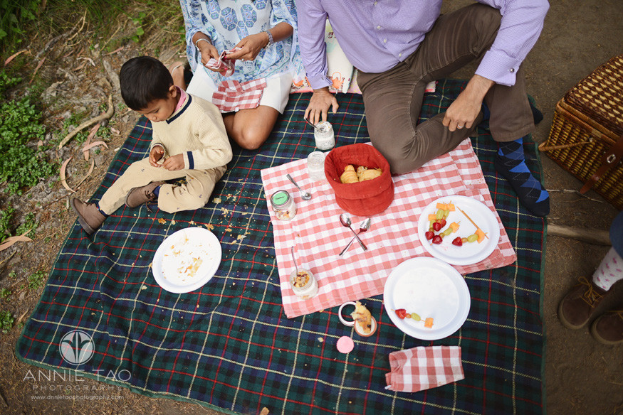 San-Francisco-lifestyle-photography-breakfast-picnic-spread-aftermath