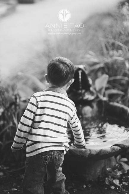 San-Francisco-Bay-Area-lifestyle-children-photography-toddler-boy-touching-fountain-BxW