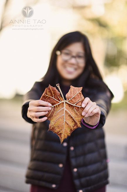 San-Francisco-lifestyle-photography-woman-holding-heart-shaped-leaf