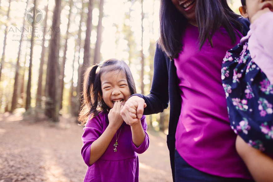 East-Bay-lifestyle-children-photography-young-girl-giggling
