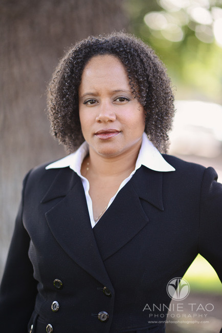 East-Bay-Commercial-Photography-executive-headshots-woman-in-black-suit-serious