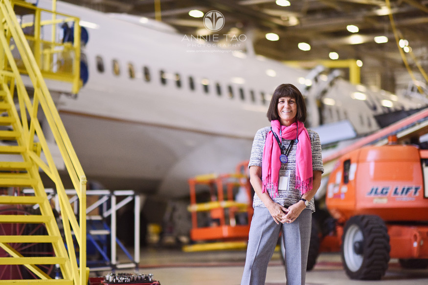 San-Francisco-commercial-photography-united-airlines-technical-operations-senior-manager-in-hangar