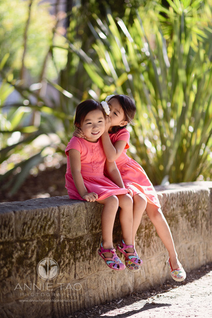 San-Francisco-Bay-Area-Peninsula-lifestyle-children-photography-sisters-whispering-to-each-other