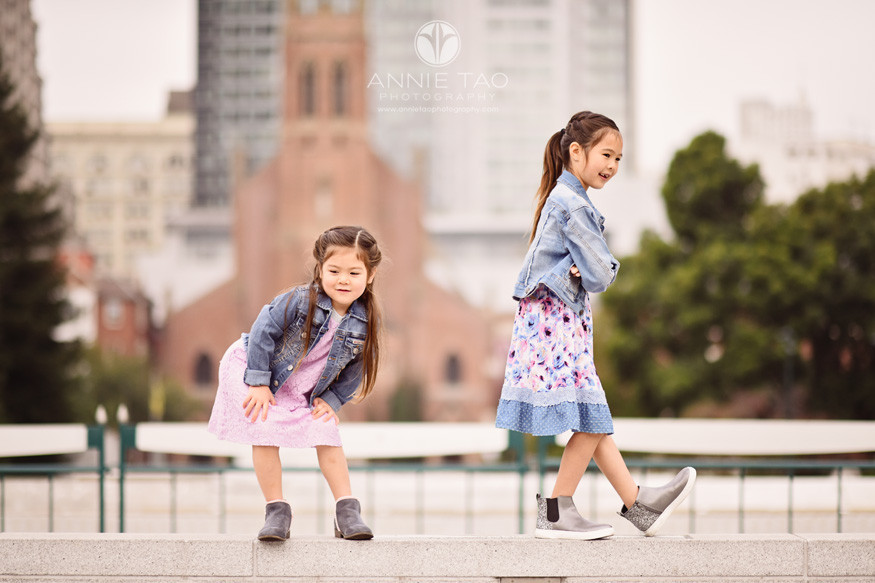 San-Francisco-lifestyle-children-photography-girls-striking-a-pose